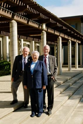 Image of Philanthropists Who Established School's First Endowed Chair Make a Gift to the Power of 10 Scholarship Fund