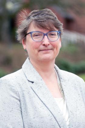 Dr. Lauren Lindstrom
